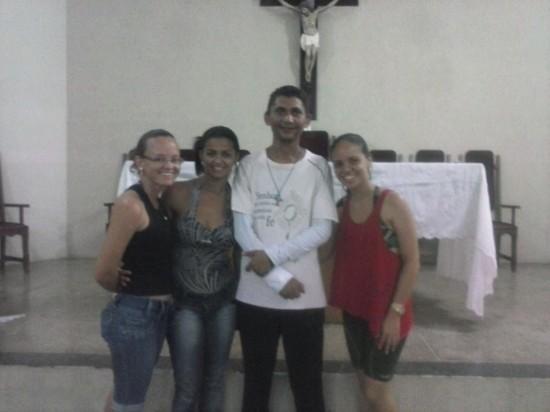 Fábio com jovens de Grupo de Oração em Itatim-BA