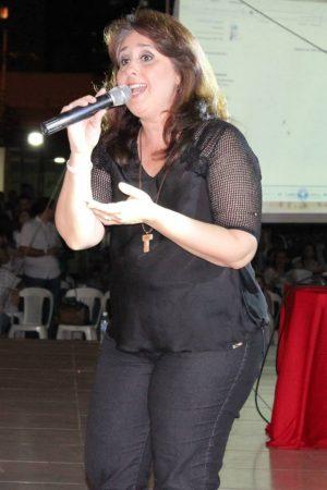 Suely Façanha canta no lançamento do Festival Halleluya