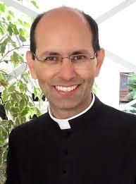 Pe. Paulo Ricardo.