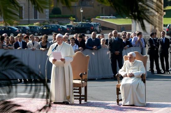 Papa Francisco inaugura imagem.