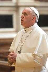 """""""A Igreja muitas vezes fechou-se em pequenas coisas, em pequenos preceitos. A coisa mais importante, ao invés, é o primeiro anúncio: 'Jesus Cristo o salvou'.Papa Francisco."""