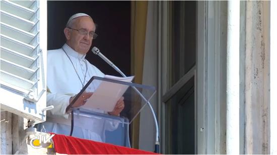 """""""Guerra nunca mais"""", disse o Papa Francisco em mensagem durante o Angelus."""
