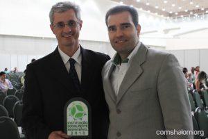Leandro Formollo, membro do Conselho Geral do Shalom com Eduardo Figueiredo, presidente do IEP.