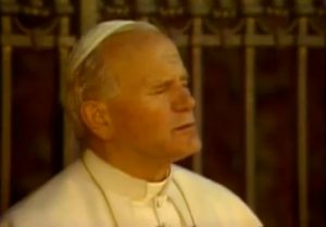 """""""Olá, carismáticos"""", disse o então Papa João Paulo II no encontro com líderes do movimento."""