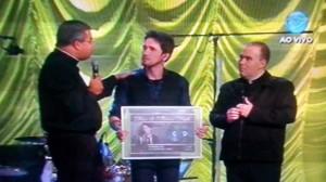 Cantor vendeu 200 mil cópias do CD Poderoso Deus.