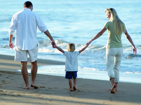 Novo Código de Família Russo quer garantir que as crianças sejam dadas apenas a famílias compostas por um pai e uma mãe.