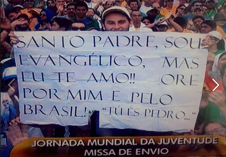 Jovem Protestante Que Exibiu Cartaz De Acolhimento Ao Papa Francisco