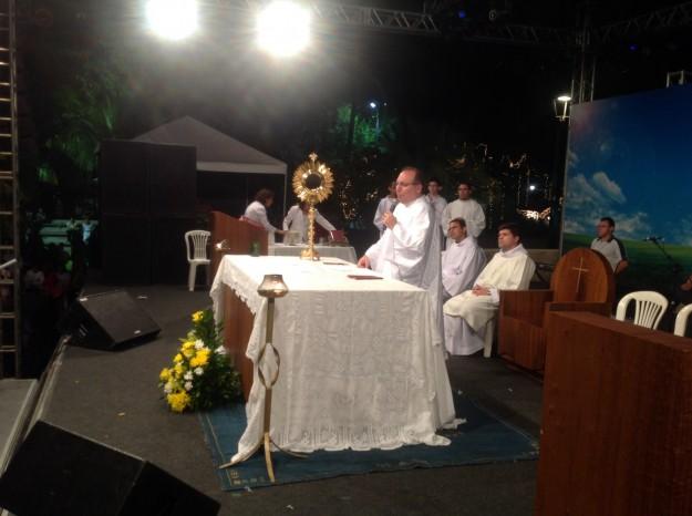 Padre Eugênio deixa paróquia de Cristo Rei.