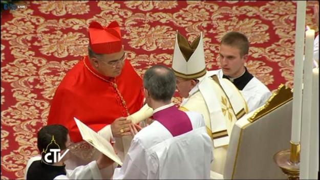 Cardeal Orani professando obediência ao Santo Padre.
