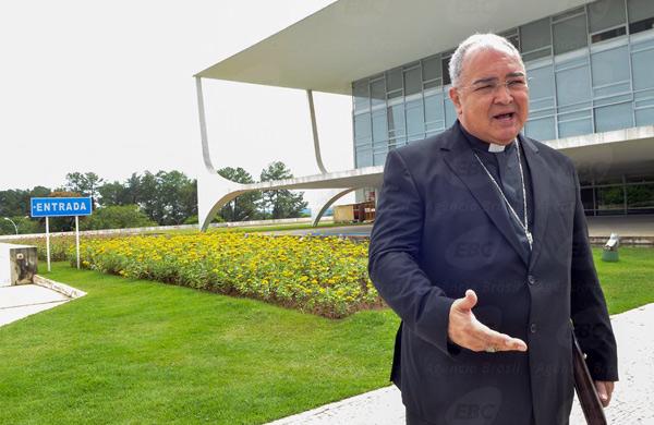 Dom Orani alerta brasileiros sobre perigo da ideologia do gênero nas escolas.