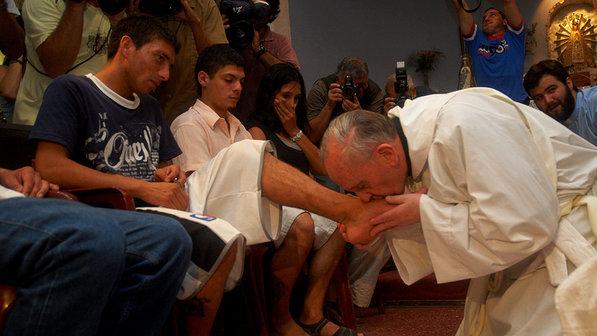 Papa Francisco no rito do Lava-pés