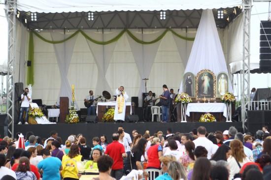 Festa acontece no  segundo Domingo da Páscoa.