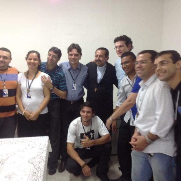 Padre Reginaldo Manzotti e membros da Rádio Shalom 690 AM