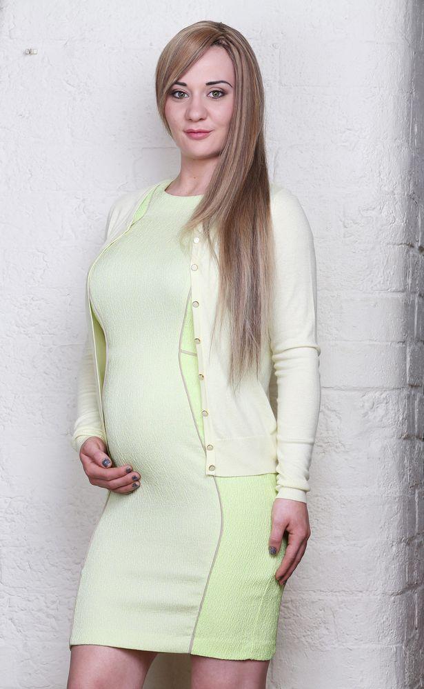 Josie Cunningham grávida de 18 semana abortará para participar de reality show.