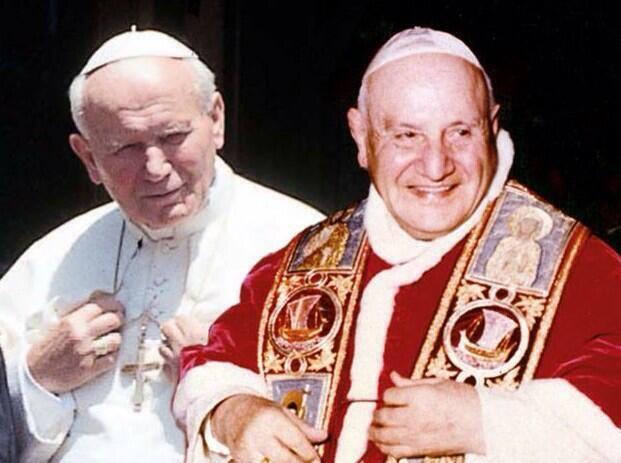 Papas João XXIII e JoãoPaulo II