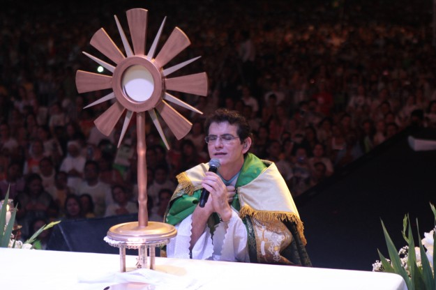 Padre Reginaldo Manzotti no Evangelizar é Preciso em 2013.