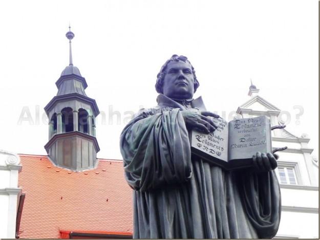 Imagem de Martinho Lutero em Igreja protestante na Alemanha.