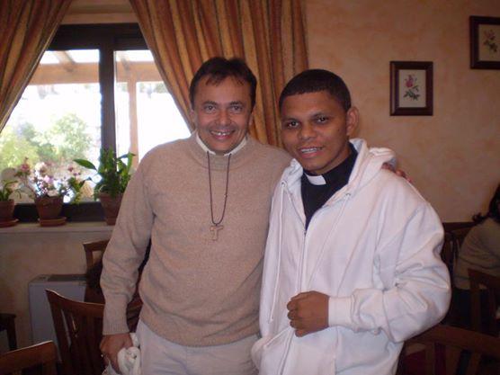 Padre Jacó com o Moysés Azevedo.
