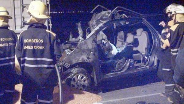 Imagem do carro que levava familiares do Papa Francisco.