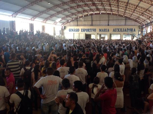 Missa com capacidade máxima do colégio Juvenal de Carvalho.