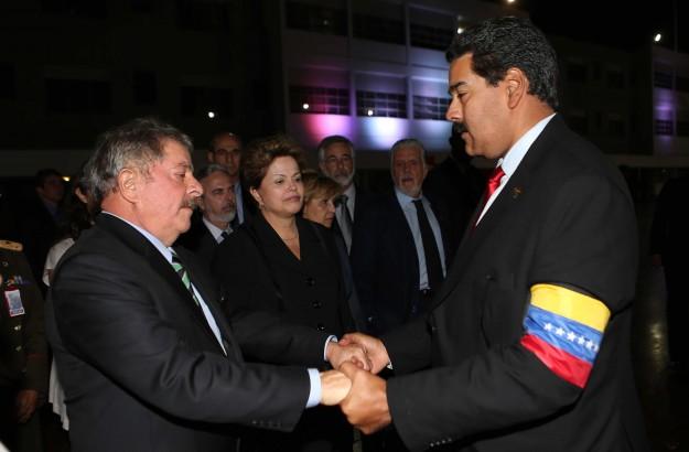 Os amigos Lula, Dilma e Maduro.