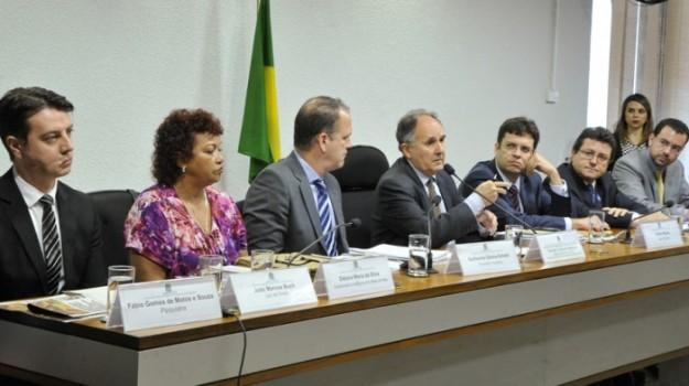 Parcialidade - Dos 7 convidados apenas 2 eram contra a Legalização da Maconha. Foto: Agência Senado.