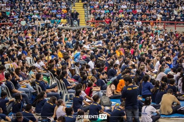 Lideranças Jovens escutaram atentos apelo de Moysés Azevedo.