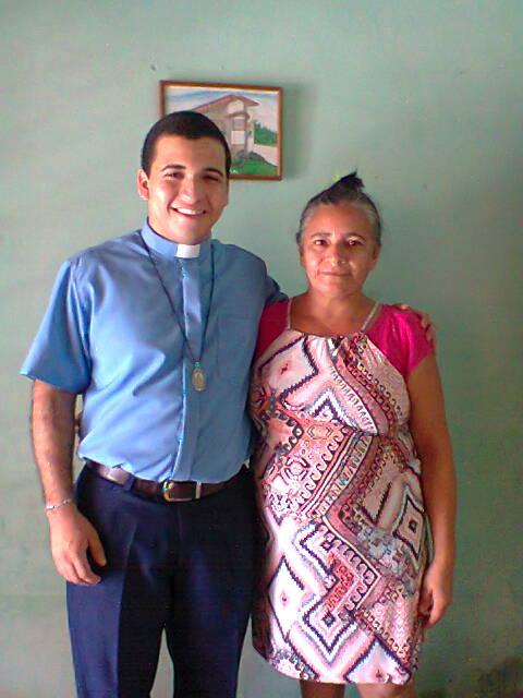 Iury e sua mãe.