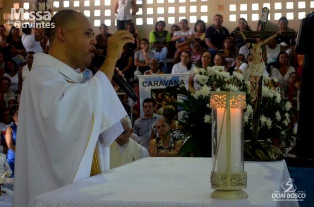 Padre Gilberto esteve á frente da emissora por 4 anos.