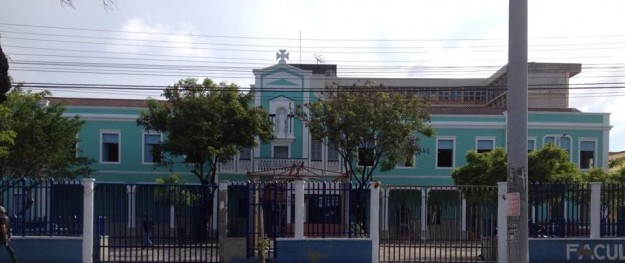 Fachada do Colégio Cearense.