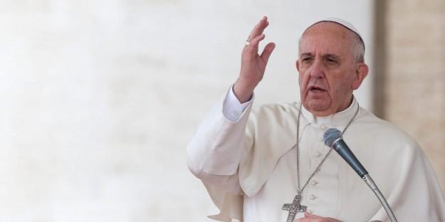 Papa Francisco condena o ato terrorista.