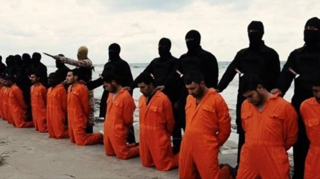 Terroristas Islâmicos matam 21 cristãos.