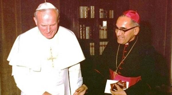 Dom Homero com são João  Paulo II.