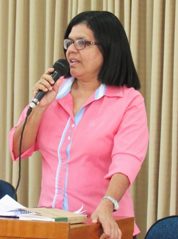 Irmã Celeste coordena o curso de Filosofia da FCF.