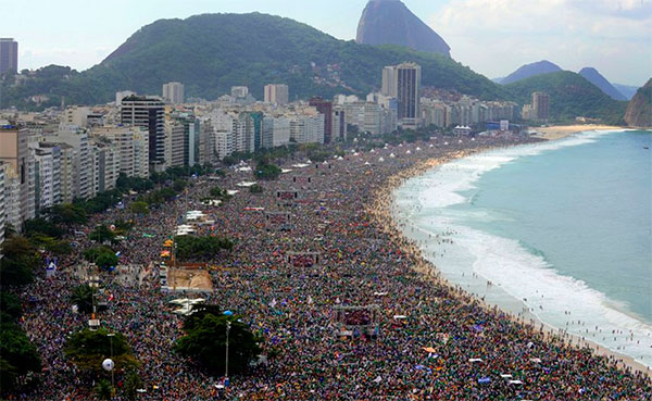 Imagem da missa de encarramento da JMJ Rio 2013.