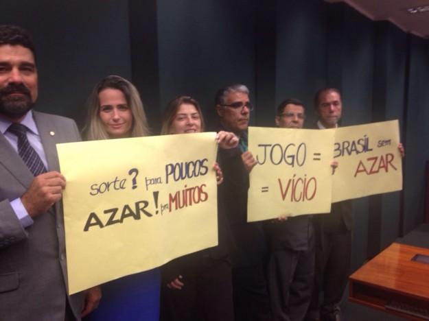 Até o momento participam das audiências públicas apenas defensores da liberação dos jogos de azar. Movimento Brasil sem Azar questiona.