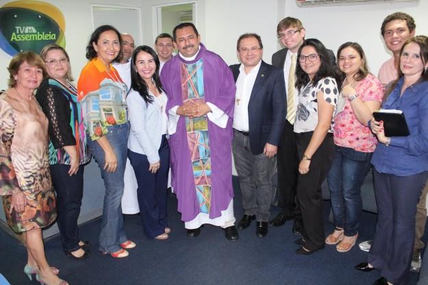 Padre Antonio Furtado, Deputado Carlos Matos  e convidados.