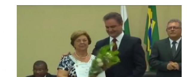 Mãe de Sergio Moro recebe homenagem e é vaiada por petistas.