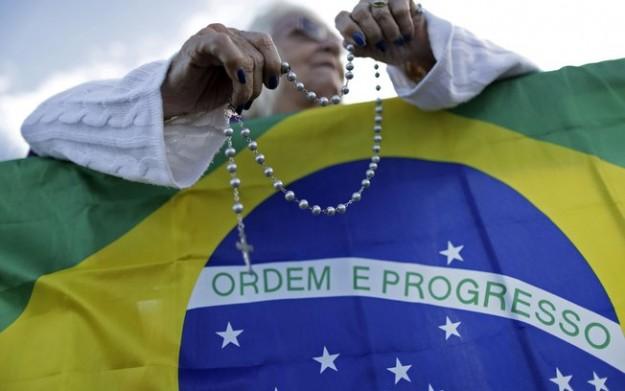 Oração pelo Brasil, pede a RCC.