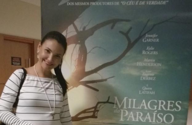 Ana Clara Rocha, apresentadora do programa Ceará Católico, prestigiou a estreia de Milagres do Paraíso.