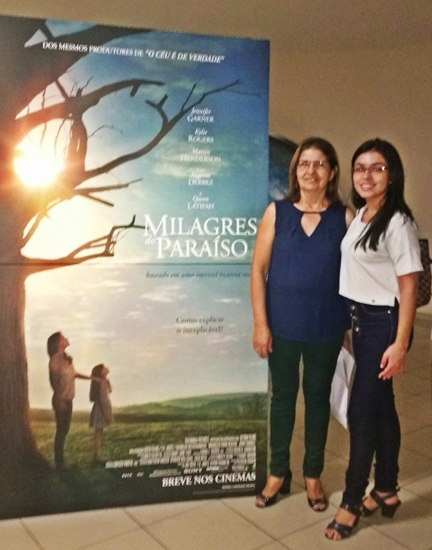 Jocasta participou da sessão de pré-estreia com a mãe, Matilde.