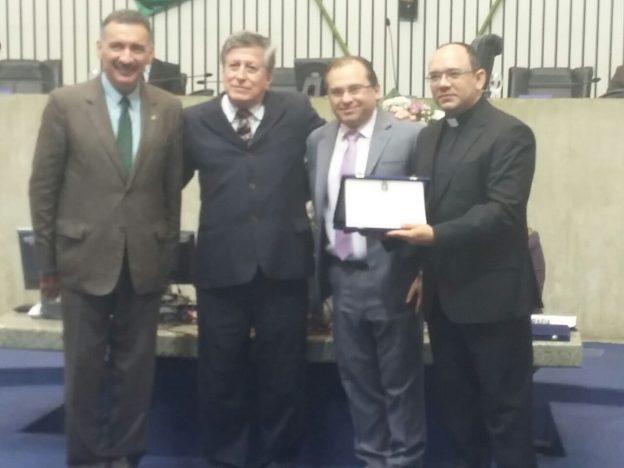 Padre Rafhael Maciel, Deputado Carlos Matos, Paulo Mindêllo e Artur Bruno.