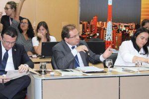 Deputado Carlos Matos debate com profundidade Plano Estadual de Educação.