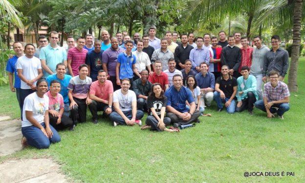 Seminaristas e equipe de serviço do Retiro.
