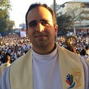 Padre Cristiano Pinheiro é cearense e está em missa em Roma há mais de sete anos pela Comunidade Shalom.