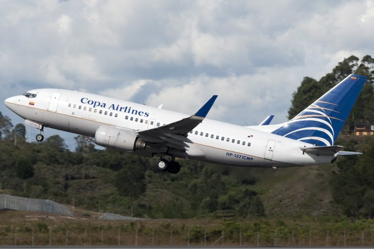 COLOMB-4Copa_Airlines_Colombia_Boeing_737-700_Ramirez