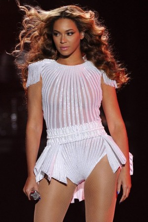 beyonce-mrs-carter-show-garticle