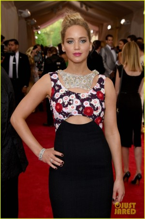 jennifer-lawrence-met-gala-2015-04
