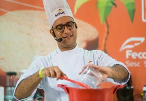 o Senac Ceará participa do Costume Saudável ensinando receitas para quem é adepto ou se interessa por uma alimentação saudável sem abrir mão do sabor.
