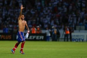 Assisinho marcou o gol da classificação no último lance do jogo